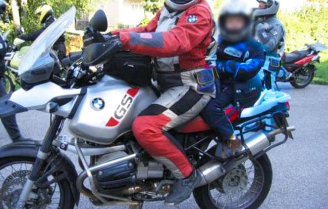 Seggiolino per motociclette