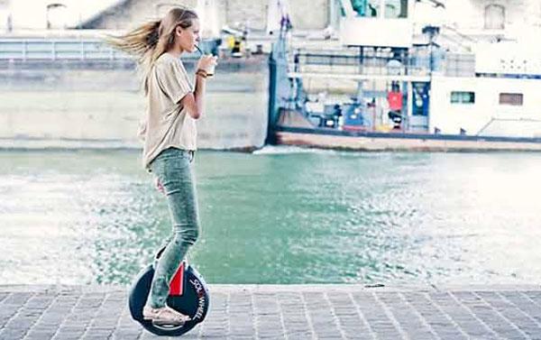 Monociclo con motore elettrico